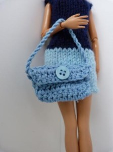 Réf : A099 - Sac bleu bouton bleu pour Barbie ou Pulipp dans Accessoires Poupees 0101-224x300