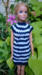 Réf : B0652 - Robe blanche et bleu marine pour Barbie dans Habits pour Barbie 018-84x150